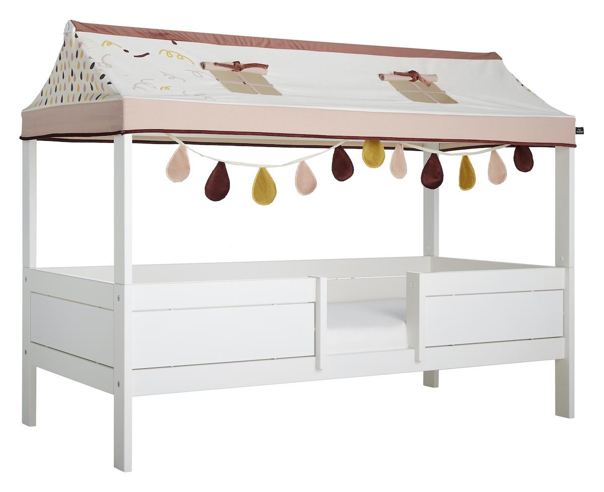 Bett mit Stoffdach